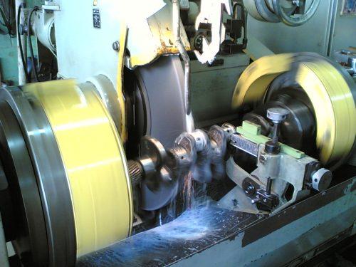 Crankshaft Grinding – N S  Al-Qumlas Machine Shop